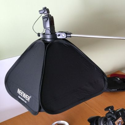 Neewer 24x24 inch collapsible softbox