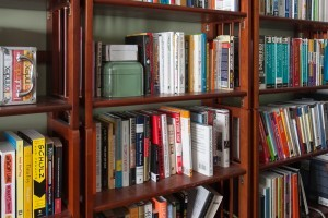 Reclaiming Shelves Part 2 and Ongoing Clutterbusting